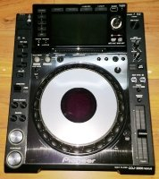 Click for large photo of Pioneer CDJ-2000NXS