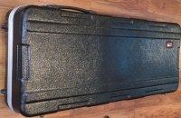Click for large photo of Gator 61 Key Case W/Wheels