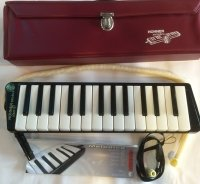 Click for large photo of Hohner Melodica Piano 27