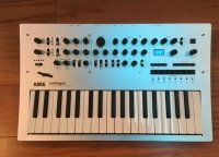 Click for large photo of Korg Minilogue
