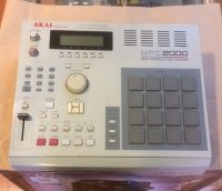 Click for large photo of Akai MPC2000