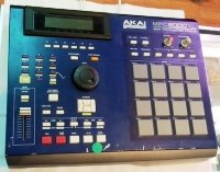 Click for large photo of Akai MPC2000XL MCD