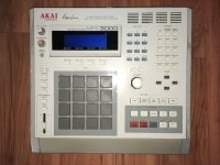 Click for large photo of Akai MPC3000