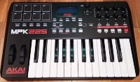 Click for large photo of Akai MPK225