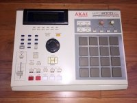 Click for large photo of Akai MPC2000XL