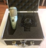 Click for large photo of AKG Perception 200