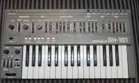 Click for large photo of Roland SH-101