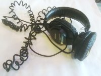 Click for large photo of Sony MDR-7506