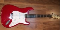 Click for large photo of Fender Squire Strat