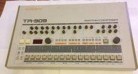 Click for large photo of Roland TR-909