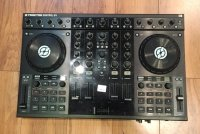 Click for large photo of Native Instruments Traktor S4
