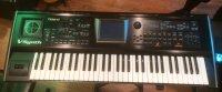 Click for large photo of Roland V-Synth