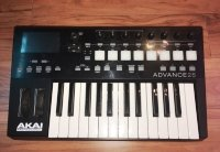 Click for large photo of Akai Advance 25