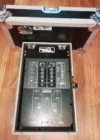 Click for large photo of Mackie d.2 w/Case