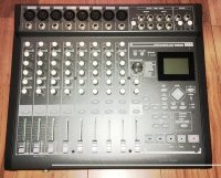 Click for large photo of Korg D888
