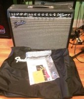 Click for large photo of Fender Deluxe Reverb Reissue