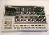 Click for large photo of Yamaha DX200
