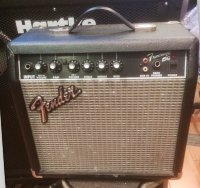 Click for large photo of Fender Frontman 15G