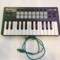 Click for large photo of Novation Launchkey