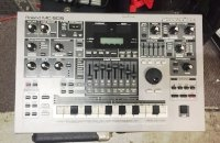 Click for large photo of Roland MC-505