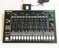 Click for large photo of Roland TR-8