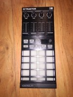 Click for large photo of Native Instruments Traktor F1